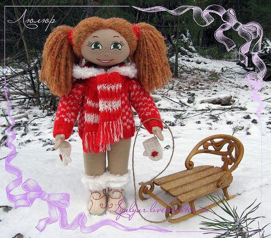 Коллекционные куклы ручной работы. Ярмарка Мастеров - ручная работа. Купить Текстильная кукла с резными деревянными санями.. Handmade.