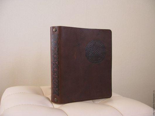 Папки для бумаг ручной работы. Ярмарка Мастеров - ручная работа. Купить Кожаная тетрадь на кольцах формата А5. Handmade.