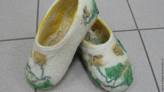"""Обувь ручной работы. Ярмарка Мастеров - ручная работа. Купить Валяные тапочки"""" Madeleine"""". Handmade. Белый, обувь ручной работы"""