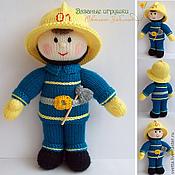 """Сувениры и подарки ручной работы. Ярмарка Мастеров - ручная работа """"Отважный пожарный"""" вязаная кукла. Handmade."""
