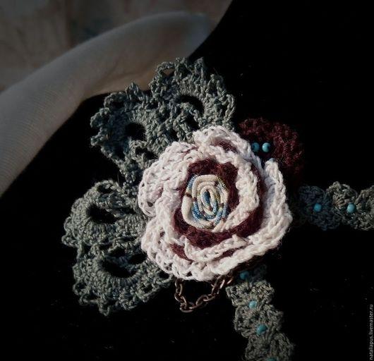 """Броши ручной работы. Ярмарка Мастеров - ручная работа. Купить брошь """"Ассиметричная роза"""". Handmade. Комбинированный, брошь ручной работы"""