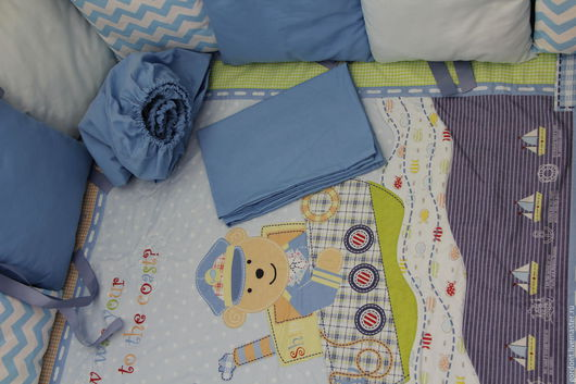 """Детская ручной работы. Ярмарка Мастеров - ручная работа. Купить Комплект в кроватку """"Морской мишка"""". Handmade. Голубой, наволочка, слимтекс"""