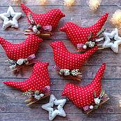 Елочные игрушки ручной работы. Ярмарка Мастеров - ручная работа Елочные игрушки: птички в красном. Handmade.