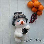 Подарки к праздникам ручной работы. Ярмарка Мастеров - ручная работа Валяный снеговик. Handmade.