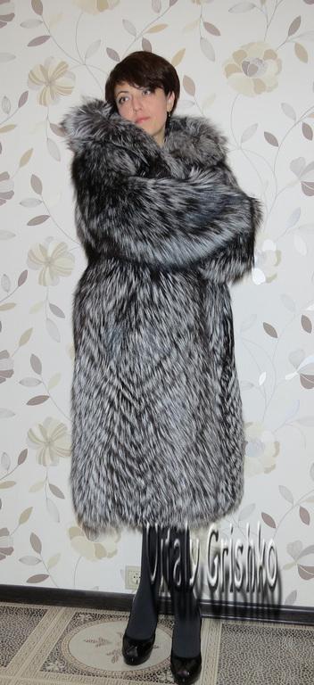 Шуба из сербристо чёрной лисы SAGA стильная заказать в москве