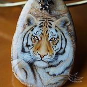Украшения handmade. Livemaster - original item Stylish pendant Steppe Tiger painted on stone lacquered miniature. Handmade.