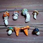 Подвеска ручной работы. Ярмарка Мастеров - ручная работа Грибочки керамические подвески. Handmade.