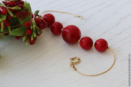 Браслеты ручной работы. Ярмарка Мастеров - ручная работа. Купить Позолоченный браслет с красными кораллами. Handmade. Ярко-красный