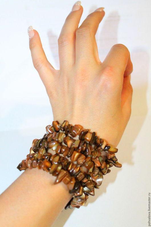 Браслеты ручной работы. Ярмарка Мастеров - ручная работа. Купить Многорядный браслет из натурального перламутра цвета кофе. Handmade. Коричневый