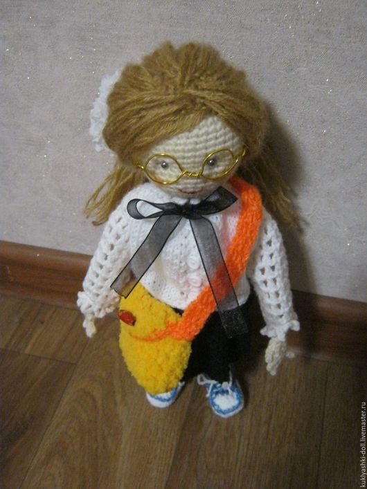 Человечки ручной работы. Ярмарка Мастеров - ручная работа. Купить Кукла школьница. Handmade. Комбинированный, подарок, амигуруми, интересный подарок