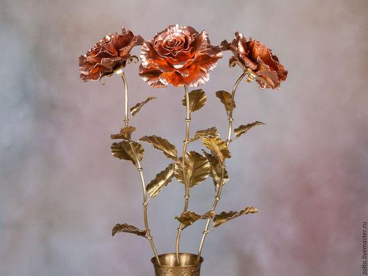 Медная роза - символ женской красоты, тепла и света. Декоративная ковка из меди и латуни от Кузницы Чудес