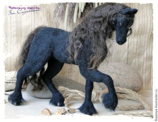 Игрушки животные, ручной работы. Ярмарка Мастеров - ручная работа. Купить Конь фризской породы Турмалин. Handmade. Черный