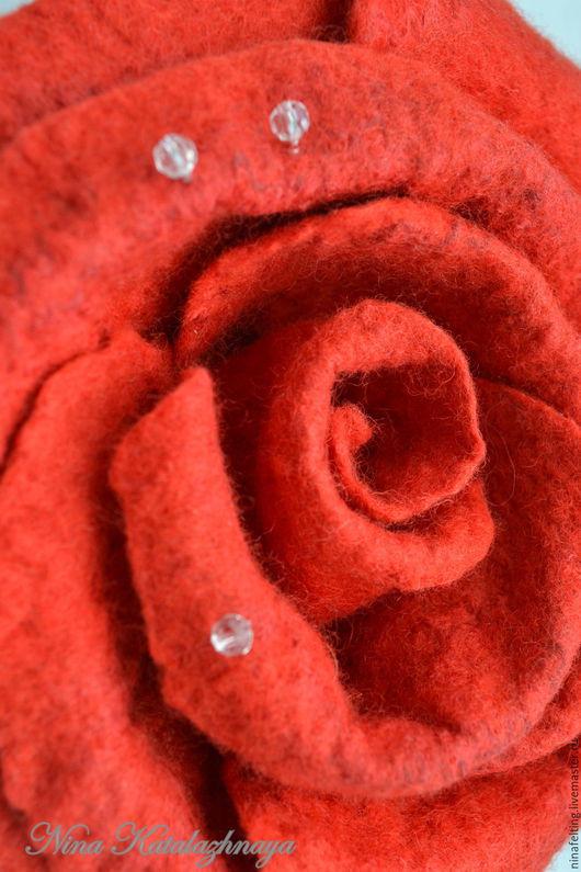 Броши ручной работы. Ярмарка Мастеров - ручная работа. Купить Валяная брошь Роза. Handmade. Валяние, брошь ручной работы