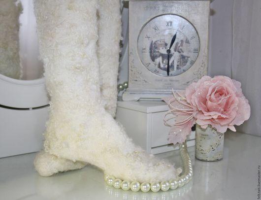 Носки, Чулки ручной работы. Ярмарка Мастеров - ручная работа. Купить Валяные носочки. Handmade. Белый, носки женские