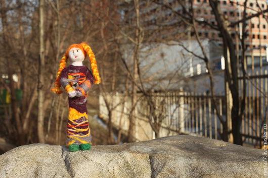 Человечки ручной работы. Ярмарка Мастеров - ручная работа. Купить Девочка. Handmade. Тёмно-фиолетовый, валяние из шерсти, шерсть для валяния
