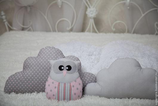 Пледы и одеяла ручной работы. Ярмарка Мастеров - ручная работа. Купить Комплект в кроватку. Сова , подушки- облачка.. Handmade. Серый