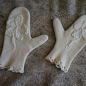 Аксессуары ручной работы. Ярмарка Мастеров - ручная работа Варежки валяные белые. Handmade.