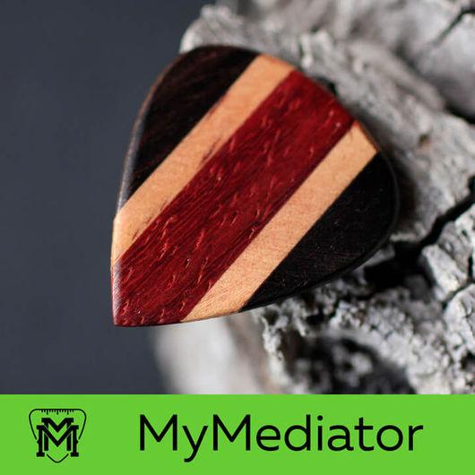 Струнные инструменты ручной работы. Ярмарка Мастеров - ручная работа. Купить Медиатор Multi Wood - 01. Handmade. Разноцветный, подарок