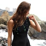 Одежда ручной работы. Ярмарка Мастеров - ручная работа Черное платье c россыпью изумрудного и сапфирового шелка. Handmade.