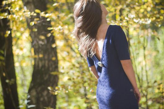вязаное платье вязаное,теплое платье теплое, шерстяное платье шерстяное,прямое платье прямое, прямой силуэт, вырез на спине, глубокий вырез, платье из мериноса, меринос экстрафайн