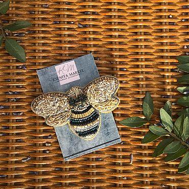 Украшения ручной работы. Ярмарка Мастеров - ручная работа Брошь из бисера «Пчелка» и «Соты». Handmade.