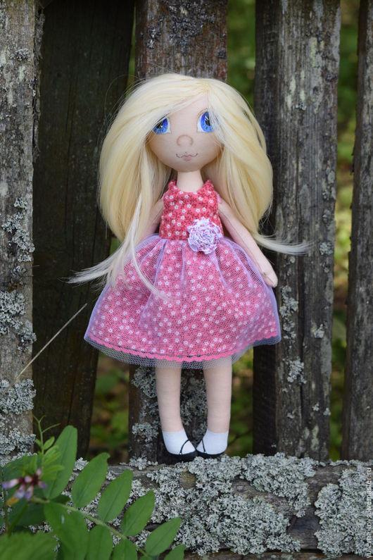 Одежда для кукол ручной работы. Ярмарка Мастеров - ручная работа. Купить Текстильная кукла Светочка, с платьями. Handmade. подарок подруге