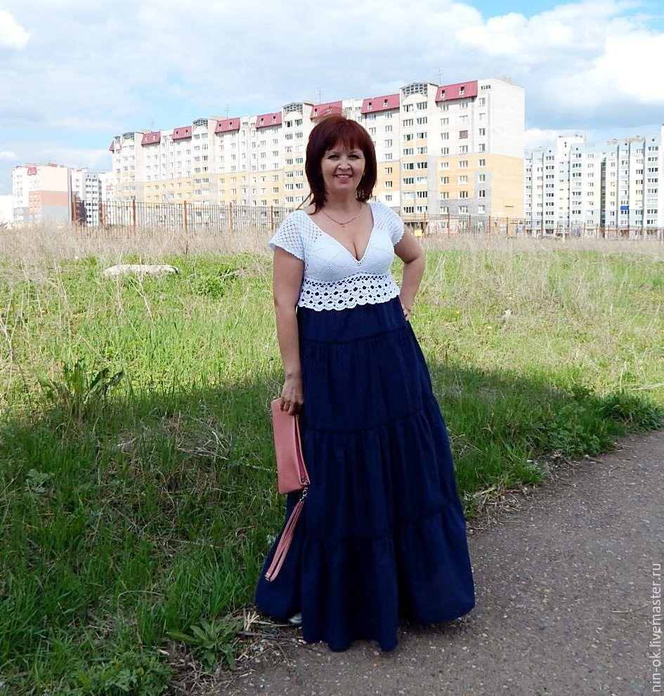 Платье вязаное синее с белым