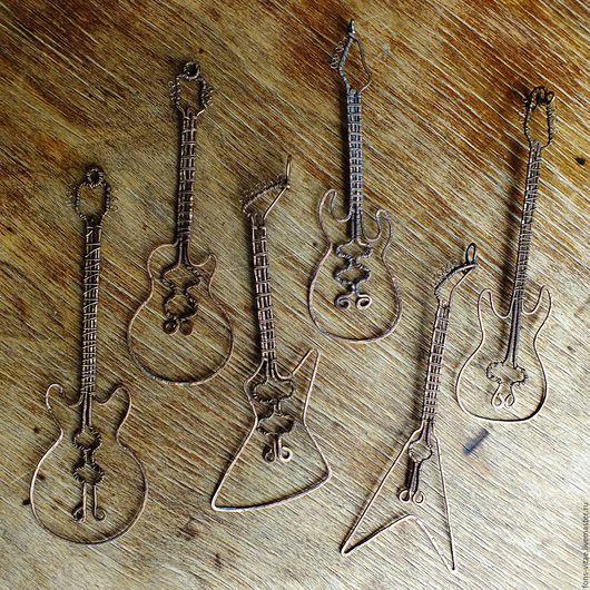 """Кулоны, подвески ручной работы. Ярмарка Мастеров - ручная работа. Купить Подвеска """"Гитара"""". Handmade. Коричневый, кулон, подарок мужчине"""