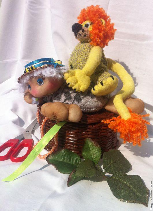 """Игрушки животные, ручной работы. Ярмарка Мастеров - ручная работа. Купить корзинка- игольница с мягкой игрушкой """"Львенок и Черепаха"""". Handmade."""