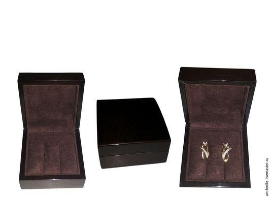 Футляр для демонстрации серёг размер:85х85х55 цена:560 руб
