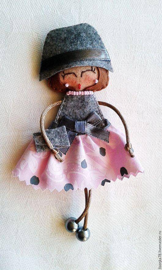 Броши ручной работы. Ярмарка Мастеров - ручная работа. Купить Брошь-куколка из фетра. Handmade. Разноцветный, броши на заказ