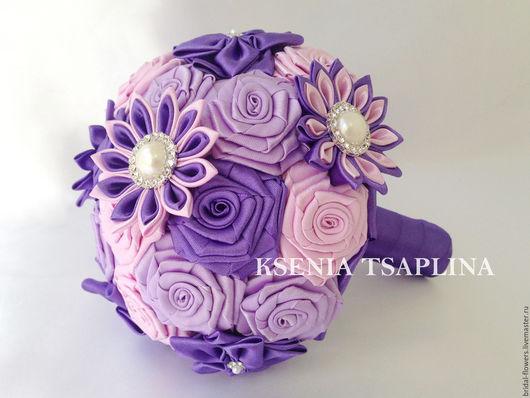 Свадебные цветы ручной работы. Ярмарка Мастеров - ручная работа. Купить Брошь букет дублер из фиолетового, розового цвета. Handmade.