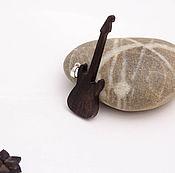 """Украшения ручной работы. Ярмарка Мастеров - ручная работа Деревянный кулон """"Гитара"""". Handmade."""