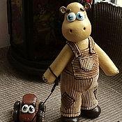 """Куклы и игрушки handmade. Livemaster - original item Фигурка """"Бегемотик с машинкой"""". Handmade."""