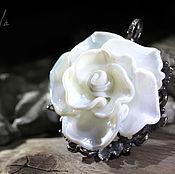 """Украшения ручной работы. Ярмарка Мастеров - ручная работа Кулон  """"Белая роза"""". Handmade."""