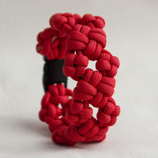 Браслеты ручной работы. Ярмарка Мастеров - ручная работа. Купить Красный браслет из паракорда. Handmade. Ярко-красный, фастекс