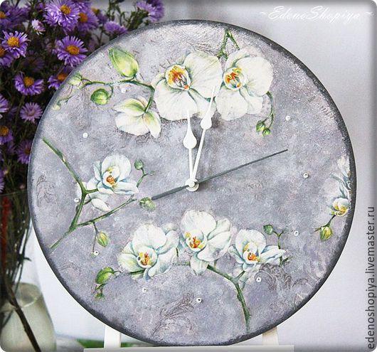 """Часы для дома ручной работы. Ярмарка Мастеров - ручная работа. Купить Часы  настенные """"Орхидеи"""". Handmade. Разноцветный, Декупаж, подарок"""
