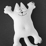 Куклы и игрушки ручной работы. Ярмарка Мастеров - ручная работа Кот Саймон белый на присосках. Handmade.