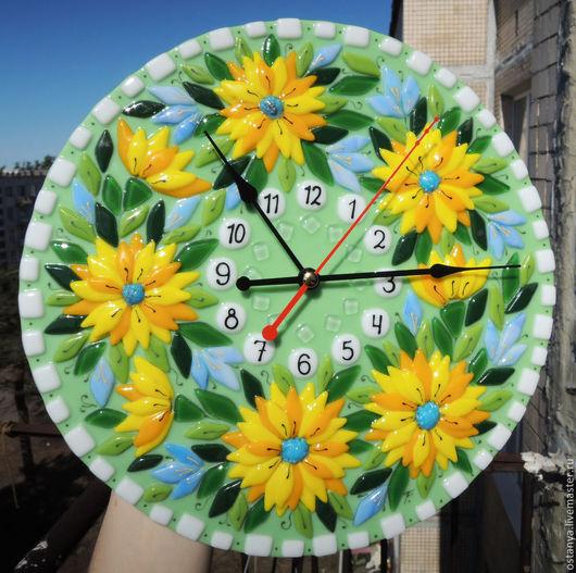 """Часы для дома ручной работы. Ярмарка Мастеров - ручная работа. Купить Часы настенные из стекла """" Ярче солнца"""" фьюзинг. Handmade."""