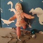 Мини фигурки и статуэтки ручной работы. Ярмарка Мастеров - ручная работа Ватная игрушка в винтажном стиле Девочка в шубке. Handmade.