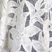 """Аксессуары ручной работы. Ярмарка Мастеров - ручная работа Палантин двухсторонний  """"Белые цветы"""" - нуновойлок, шелк, шерсть. Handmade."""
