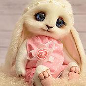 Куклы и игрушки ручной работы. Ярмарка Мастеров - ручная работа Зайка Голубоглазка (в розовом). Handmade.