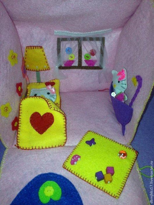 Развивающие игрушки ручной работы. Ярмарка Мастеров - ручная работа. Купить Домик -Сумочка из фетра.. Handmade. Разноцветный, фетр листовой