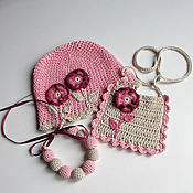 Работы для детей, ручной работы. Ярмарка Мастеров - ручная работа Подарок для девочки 2-3 года: вязаные шапочка, сумочка, бусы. Handmade.