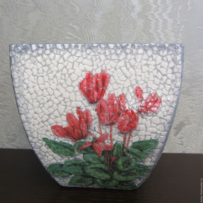 Вазы ручной работы. Стеклянная ваза Цикломены