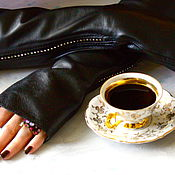 Аксессуары handmade. Livemaster - original item Leather fingerless gloves with rhinestone