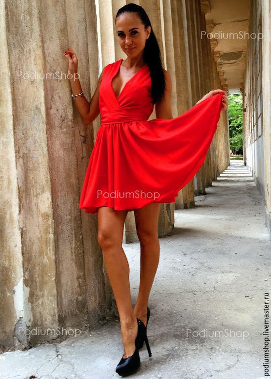 У женщин просвечивает платье фото
