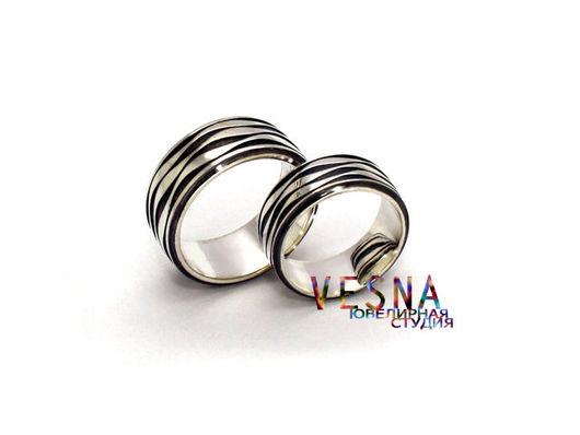 Обручальные кольца в морском стиле из белого золота `Волны`