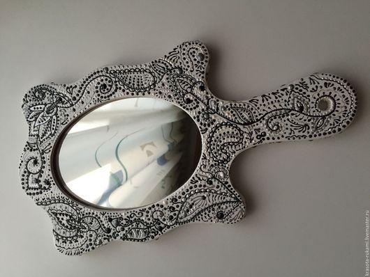 """Зеркала ручной работы. Ярмарка Мастеров - ручная работа. Купить Зеркало с ручкой """"чёрное и белое"""". Handmade. Чёрно-белый"""