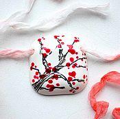 """Украшения ручной работы. Ярмарка Мастеров - ручная работа Керамический кулон"""" Сакура"""", украшение, фаянс, ручная роспись. Handmade."""